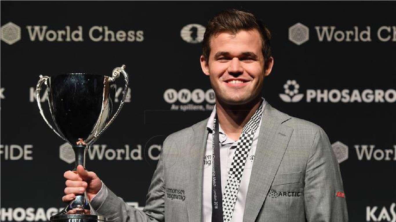 Carlsen i Anand vode
