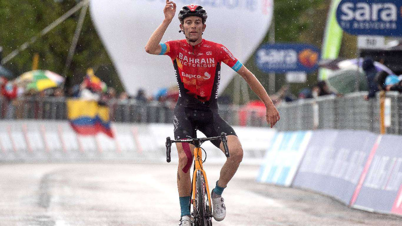 Giro: U vodstvu Mađar Valter