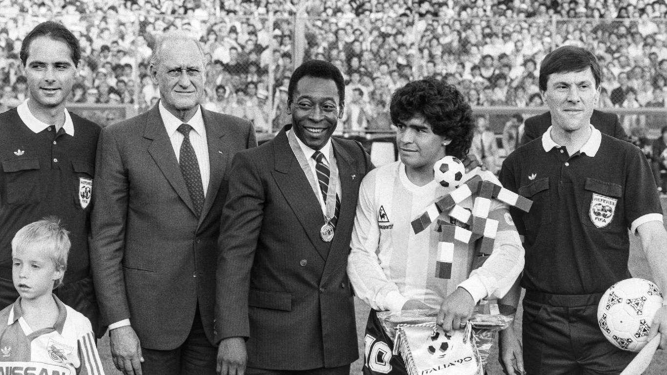 Umro Diego Maradona