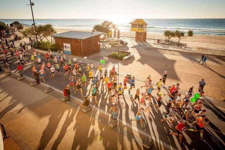 17.00   Gold Coast Maraton, magazin